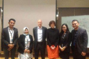 Empat Profesional DDTC, Azim Novriansa, Annisa Sakdiah, Shofia Maharini, dan Admar Jamal Junior bersama dengan Pengajar, Jeroen Kuppens dan Anuschka Bakker.