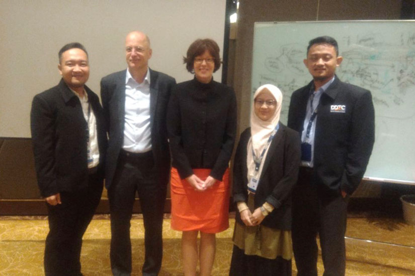 Puput Bayu Wibowo, Ani Rahmatika, dan Fakry Sodikin bersama dengan pengajar Jeroen Kuppens dan Anuschka Bakker.
