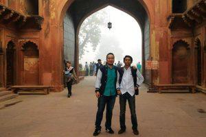 India (P. Bayu Wibowo dan Gallantino Farman)