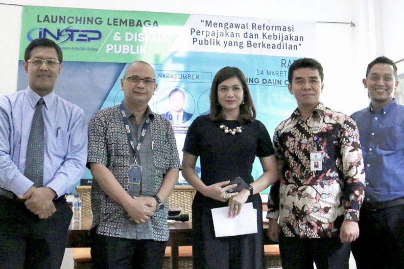 Darussalam - Launching INSTEP & Diskusi Publik
