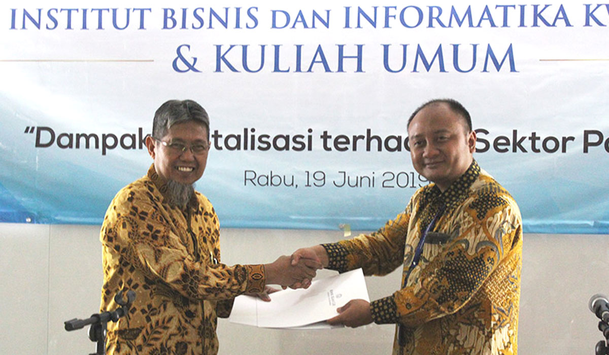 MoU between Kwik Kian Gie School of Business and DDTC